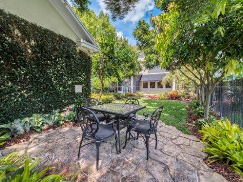 925-Hanley-Alley--Orlando--FL-32814----31---Backyard.jpg