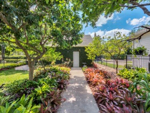 925-Hanley-Alley--Orlando--FL-32814----33---Backyard.jpg
