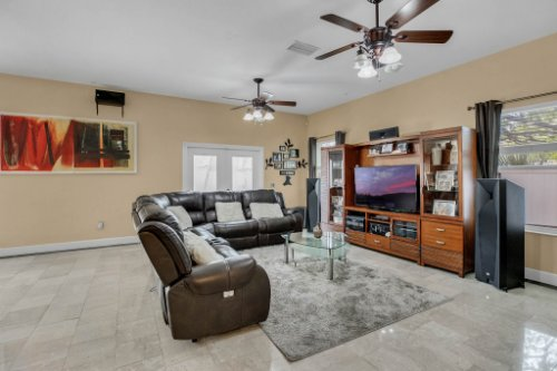 1755-E-Lagoon-Cir.-Clearwater--FL-33765--09--Family-Room-1---1.jpg