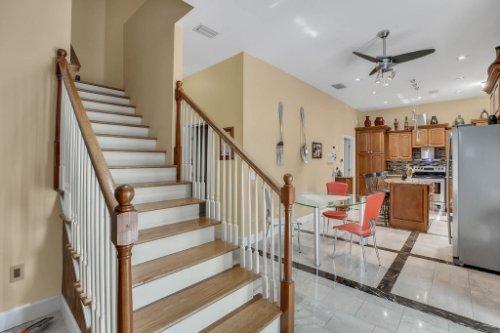 1755-E-Lagoon-Cir.-Clearwater--FL-33765--11--Stairs-1---1.jpg