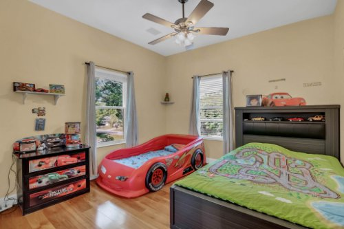1755-E-Lagoon-Cir.-Clearwater--FL-33765--20--Bedroom-3.jpg