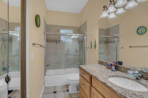 1755-E-Lagoon-Cir.-Clearwater--FL-33765--31--Main-Bath-1---1.jpg