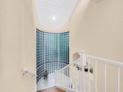 1445-Shadwell-Cir--Lake-Mary--FL-32746----21---Stairwell.jpg