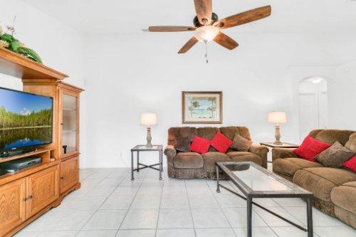 15931-Heron-Hill-St--Clermont--FL-34714----17---Family-Room.jpg