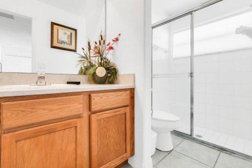 15931-Heron-Hill-St--Clermont--FL-34714----31---Bathroom.jpg