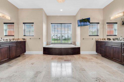 2490-Zuni-Rd--St-Cloud--FL-34771----24---Master-Bathroom.jpg