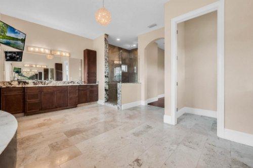 2490-Zuni-Rd--St-Cloud--FL-34771----25---Master-Bathroom.jpg