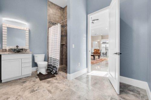 2490-Zuni-Rd--St-Cloud--FL-34771----36---Bathroom.jpg