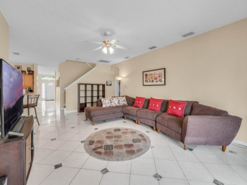 1310-Royal-St-George-Dr--Orlando--FL-32828----17---Family-Room.jpg