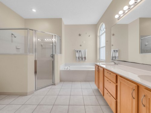 1310-Royal-St-George-Dr--Orlando--FL-32828----23---Master-Bathroom.jpg