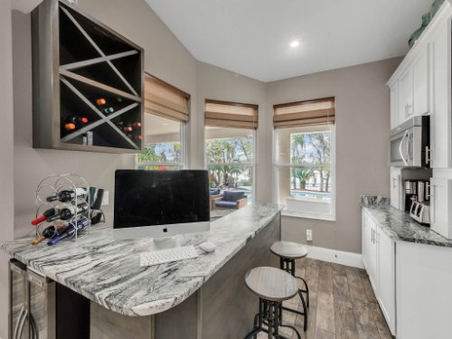 1029-Hanging-Vine-Point--Longwood--FL-32750----19---Wet-Bar.jpg