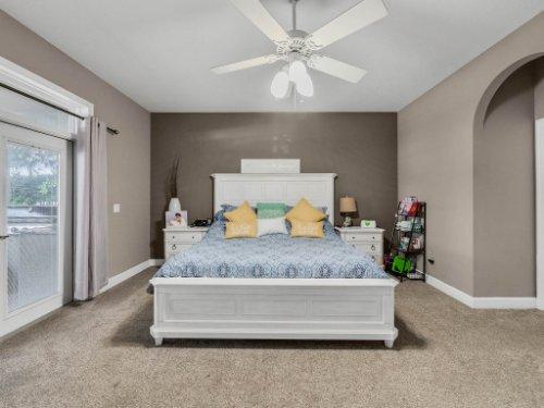 1029-Hanging-Vine-Point--Longwood--FL-32750----20---Master-Bedroom.jpg
