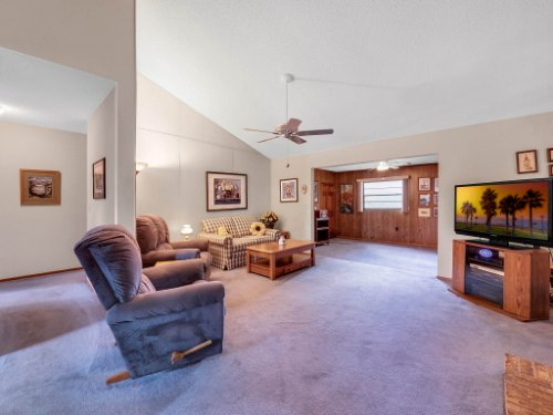 544-Tiberon-Cove-Rd--Longwood--FL-32750----12---Family-Room.jpg
