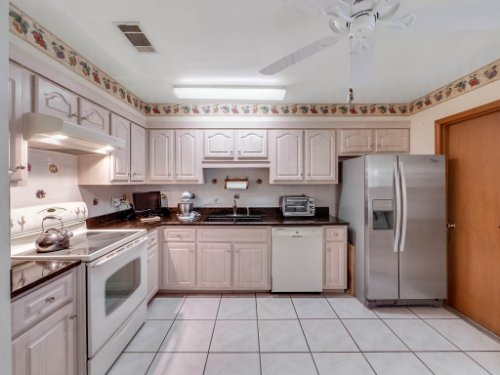 544-Tiberon-Cove-Rd--Longwood--FL-32750----16---Kitchen.jpg
