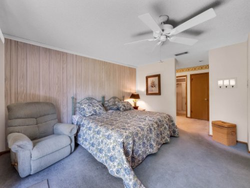 544-Tiberon-Cove-Rd--Longwood--FL-32750----19---Master-Bedroom.jpg
