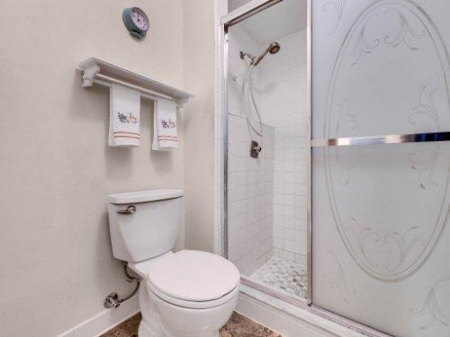 544-Tiberon-Cove-Rd--Longwood--FL-32750----22---Master-Bathroom.jpg