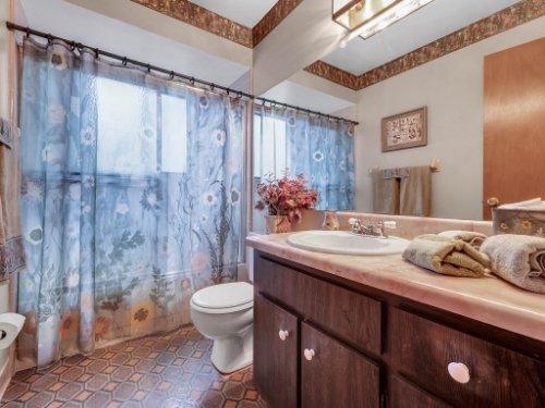 544-Tiberon-Cove-Rd--Longwood--FL-32750----25---Bathroom.jpg