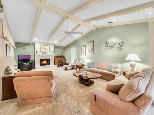 1418-Villa-Hill-Ct--Apopka--FL-32712----06---Family-Room.jpg