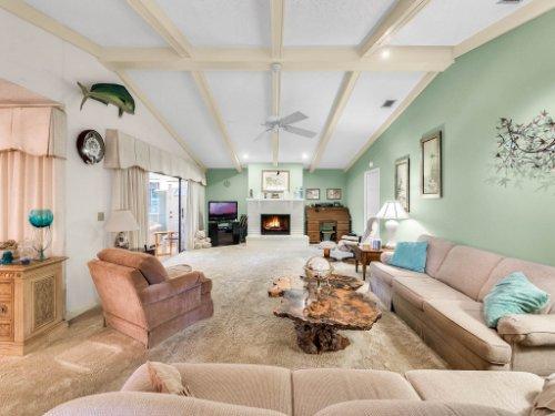 1418-Villa-Hill-Ct--Apopka--FL-32712----07---Family-Room.jpg