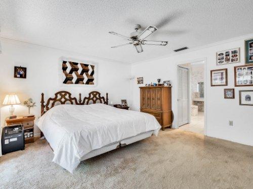 1418-Villa-Hill-Ct--Apopka--FL-32712----18---Master-Bedroom.jpg