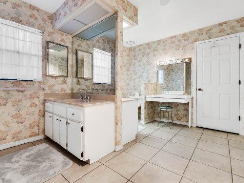 1418-Villa-Hill-Ct--Apopka--FL-32712----19---Master-Bathroom.jpg