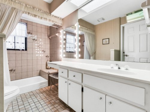 1418-Villa-Hill-Ct--Apopka--FL-32712----22---Bathroom.jpg
