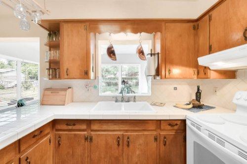 157-Birchwood-Dr--Maitland--FL-32751----09---Kitchen.jpg