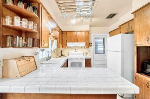 157-Birchwood-Dr--Maitland--FL-32751----11---Kitchen.jpg