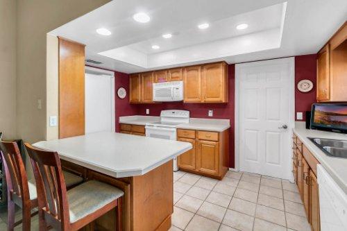 3928-Rose-Petal-Ln--Orlando--FL-32808----12---Kitchen.jpg