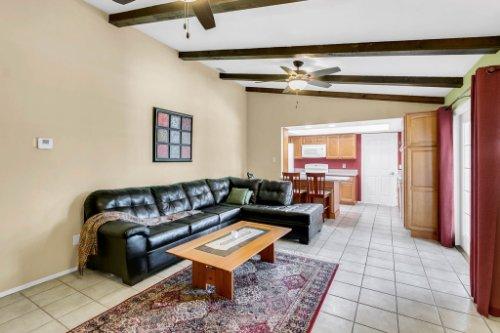 3928-Rose-Petal-Ln--Orlando--FL-32808----19---Family-Room.jpg