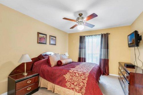 3928-Rose-Petal-Ln--Orlando--FL-32808----21---Master-Bedroom.jpg