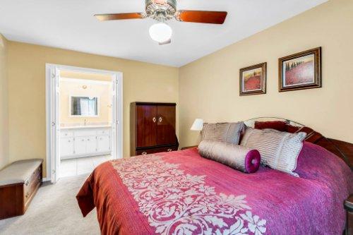 3928-Rose-Petal-Ln--Orlando--FL-32808----23---Master-Bedroom.jpg