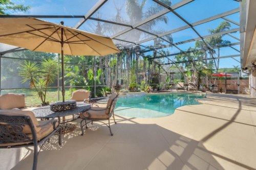 2636-Clementon-Park-Ct--Orlando--FL-32835----03---Pool.jpg