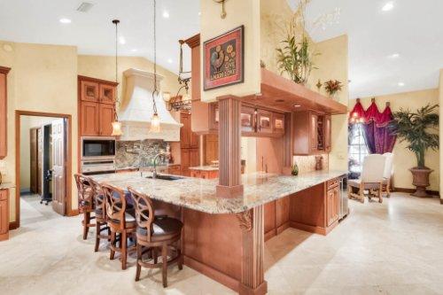 2636-Clementon-Park-Ct--Orlando--FL-32835----16---Kitchen.jpg