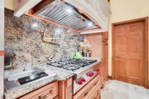 2636-Clementon-Park-Ct--Orlando--FL-32835----20---Kitchen.jpg