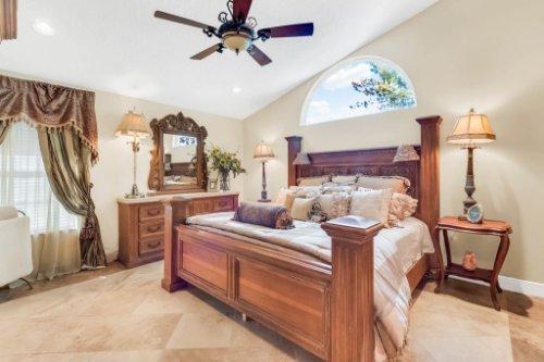 2636-Clementon-Park-Ct--Orlando--FL-32835----23---Master-Bedroom.jpg