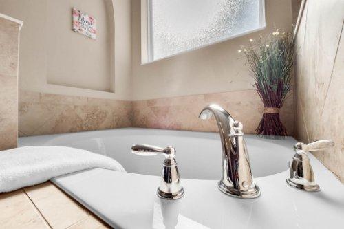 1057-Sadie-Ridge-Rd--Clermont--FL-34715----27---Master-Bathroom.jpg