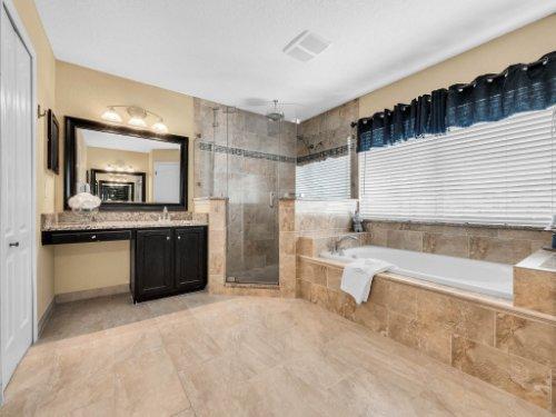 14356-Nottingham-Way-Cir--Orlando--FL-32828----29---Master-Bathroom.jpg