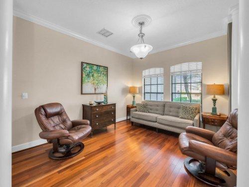 1832-Winding-Oaks-Dr--Orlando--FL-32825----07---Living.jpg