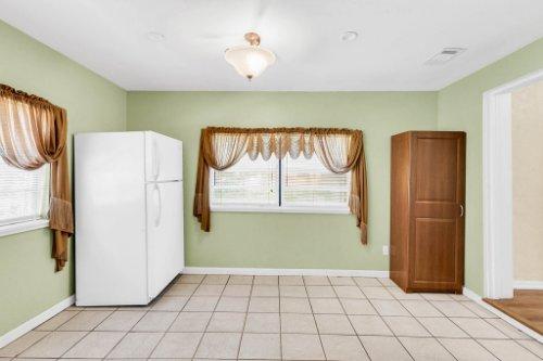 1036-Santa-Anita-St--Orlando--FL-32808----09---Dining.jpg