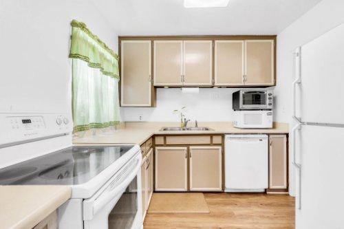 1036-Santa-Anita-St--Orlando--FL-32808----12---Kitchen.jpg