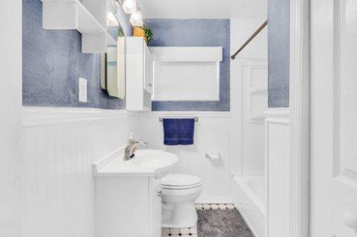 1036-Santa-Anita-St--Orlando--FL-32808----23---Bathroom.jpg