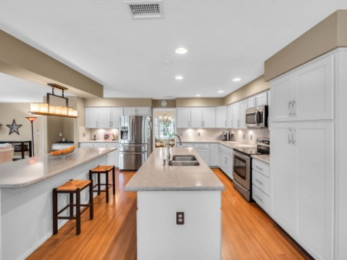 1539-Championship-Ct--Apopka--FL-32712----17---Kitchen.jpg
