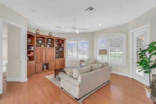 9400-Sloane-St--Orlando--FL-32827----17---Family-Room.jpg