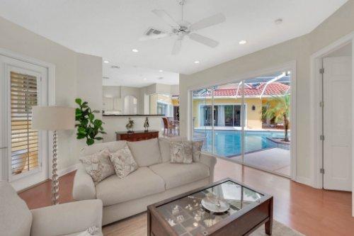 9400-Sloane-St--Orlando--FL-32827----19---Family-Room.jpg