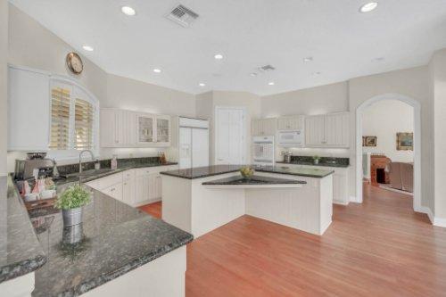 9400-Sloane-St--Orlando--FL-32827----22---Kitchen.jpg