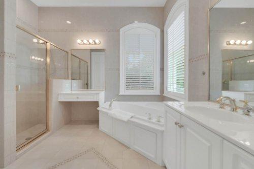 9400-Sloane-St--Orlando--FL-32827----30---Bathroom.jpg