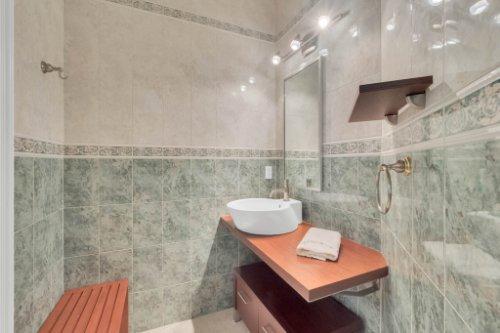 9400-Sloane-St--Orlando--FL-32827----34---Bathroom.jpg