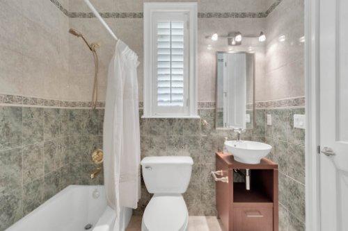9400-Sloane-St--Orlando--FL-32827----35---Bathroom.jpg