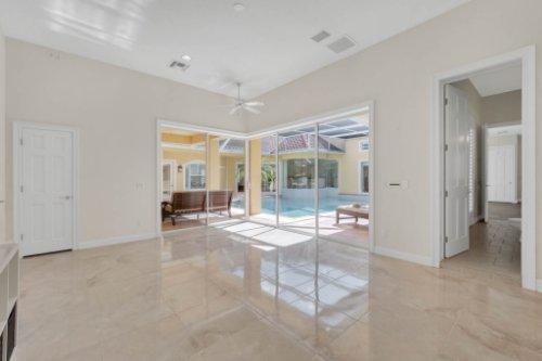 9400-Sloane-St--Orlando--FL-32827----36---Bedroom.jpg